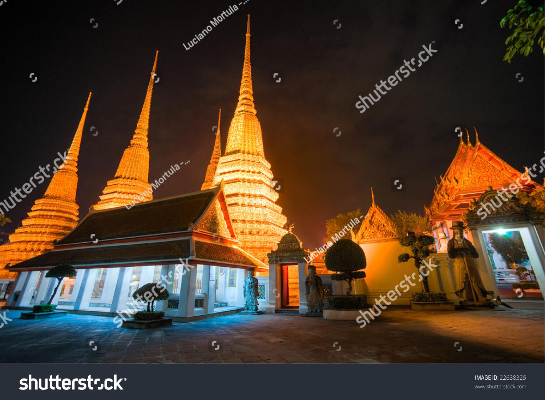 Wat Po, The Temple Of Reclining Buddha, At Night, Bangkok ...