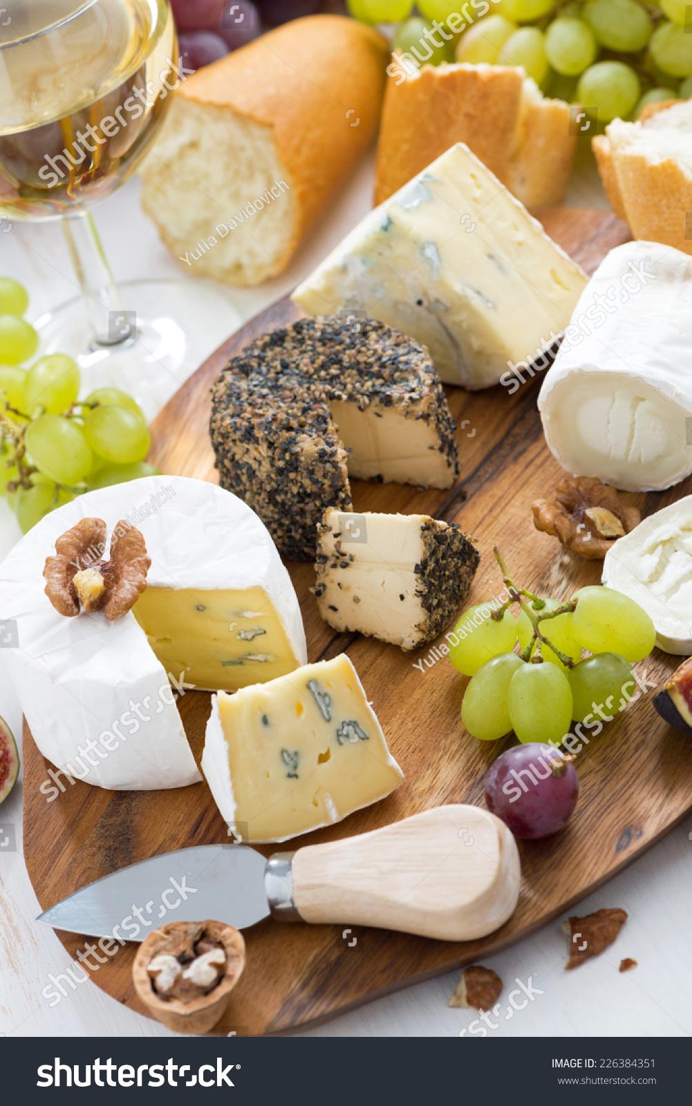 Cheese Platter Snacks Bread Wine Vertical Editar Agora Foto Stock 226384351