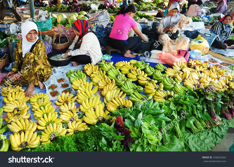 Kota Belud Malaysia  city photo : Kota Belud, Sabah Malaysia. April 13, 2014 : local farmers selling ...