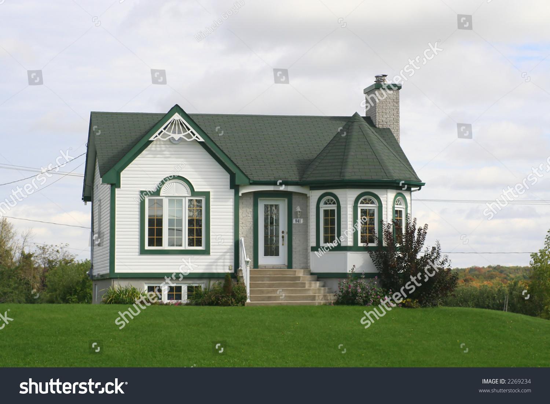 Maison canadienne stock photo 2269234 shutterstock - Maisons canadiennes ...