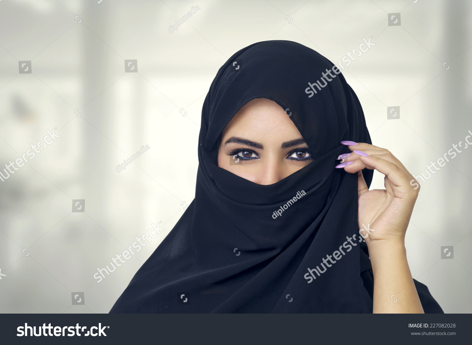 pelahatchie single muslim girls Dress code of muslim women allah the meaning of awrah and sexuality then it is permissible for her to uncover herself to the same degree as with other muslim women.