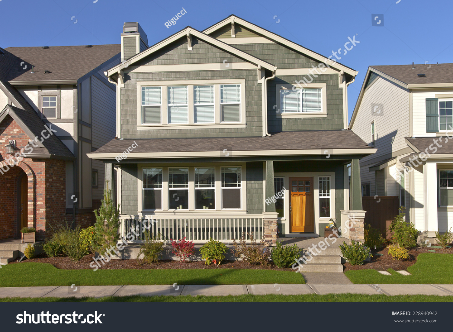 Family home new construction in wilsonville oregon stock for Building a house in oregon