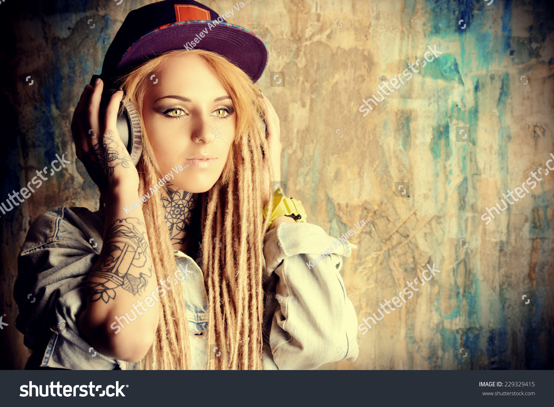 Teen music trendy teen
