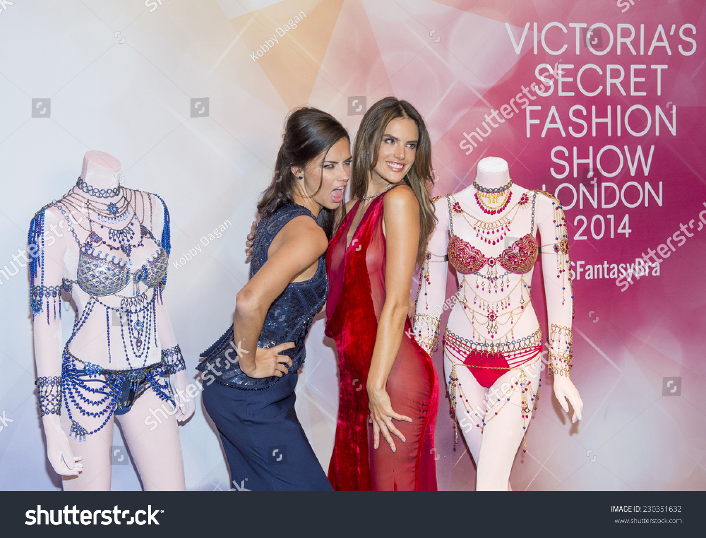 Las Vegas Nov 13 Models Adriana Stock Photo (Edit Now) 230351632