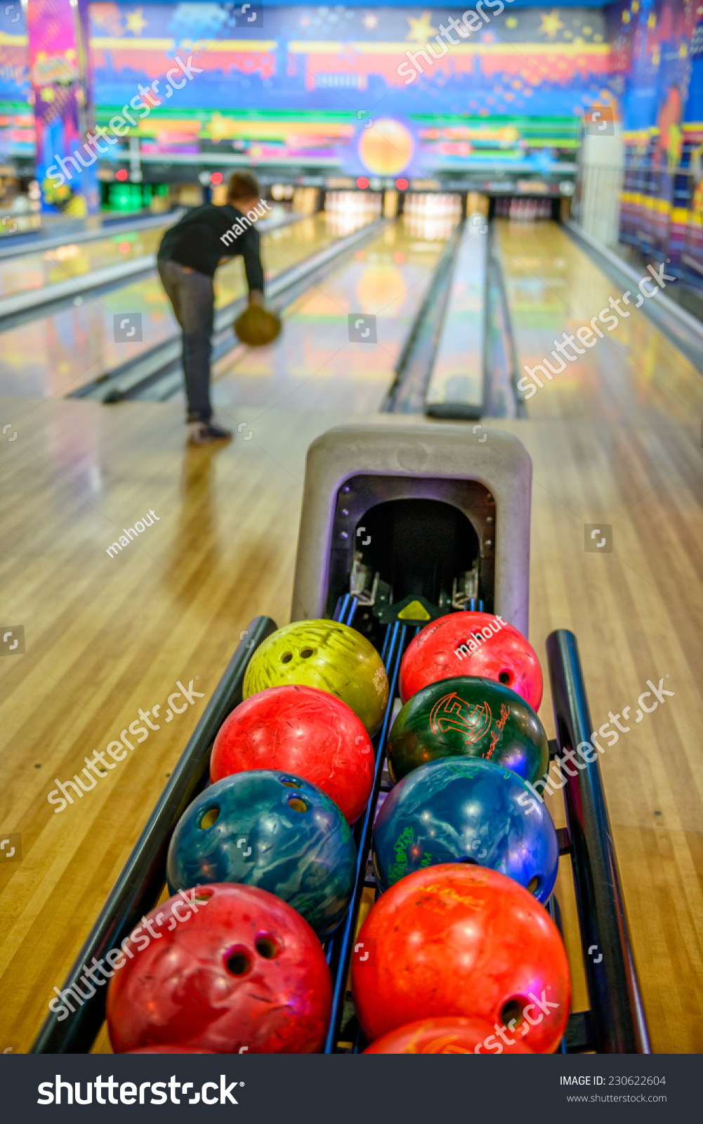 how to get free bowling balls