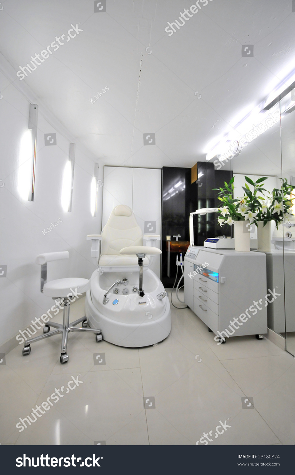 Cosmetic Salon Stock Photo 23180824 - Shutterstock