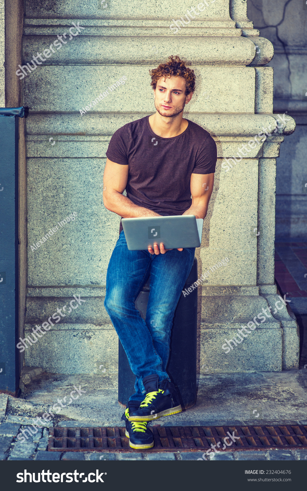 Black t shirt with dark blue jeans - Wearing Dark Brown T Shirt Blue Jeans Black Sneakers