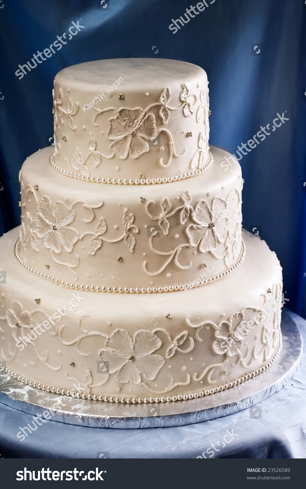 embroidered lace wedding cake white icing ivory wedding cake piped embroidered stock photo 14011
