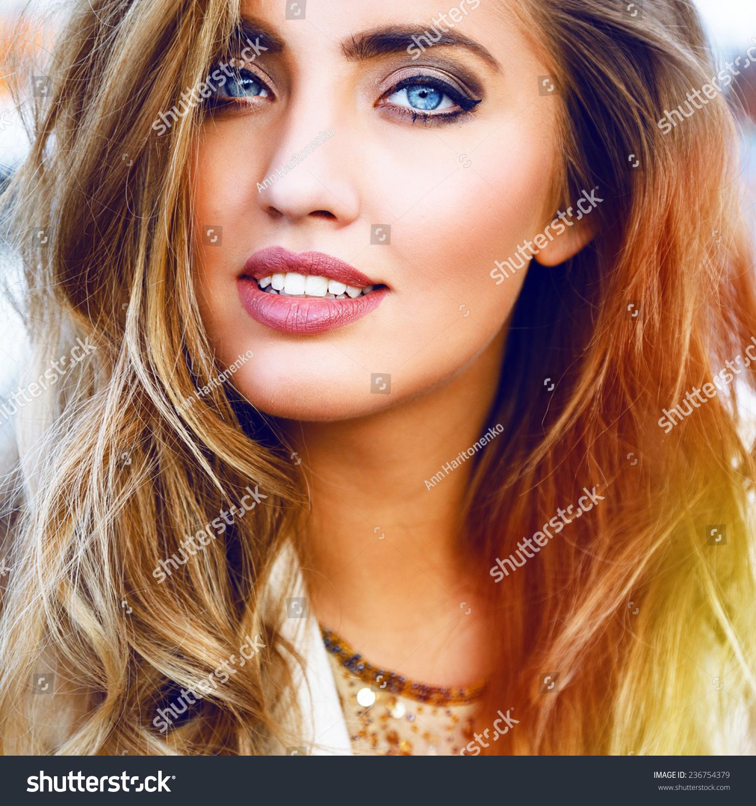 Close Fashion Portrait Amazing Beautiful Woman Stock Photo