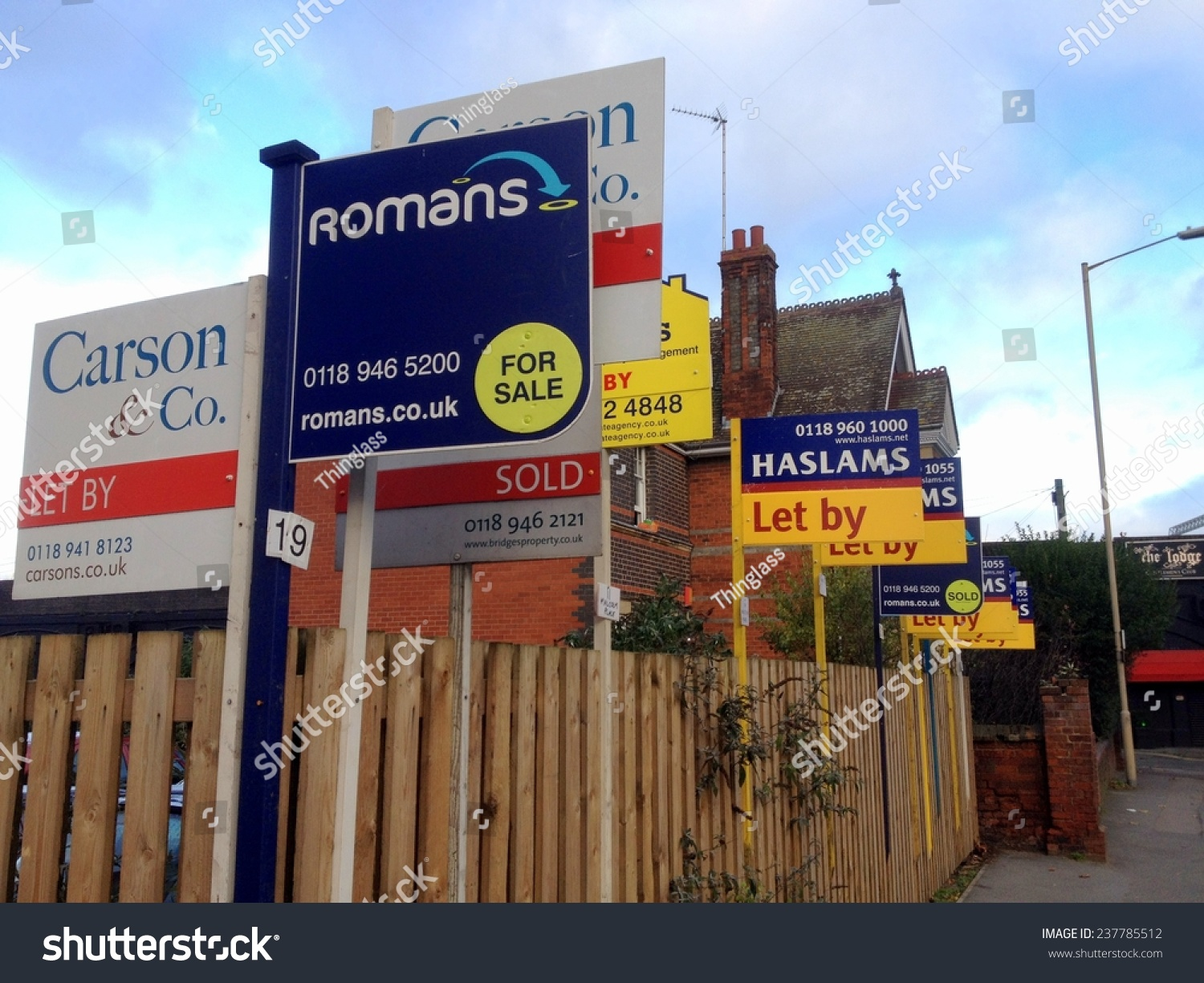 Reading United Kingdom  city photo : Reading, United Kingdom December 11th, 2014: Estate Agency or Real ...