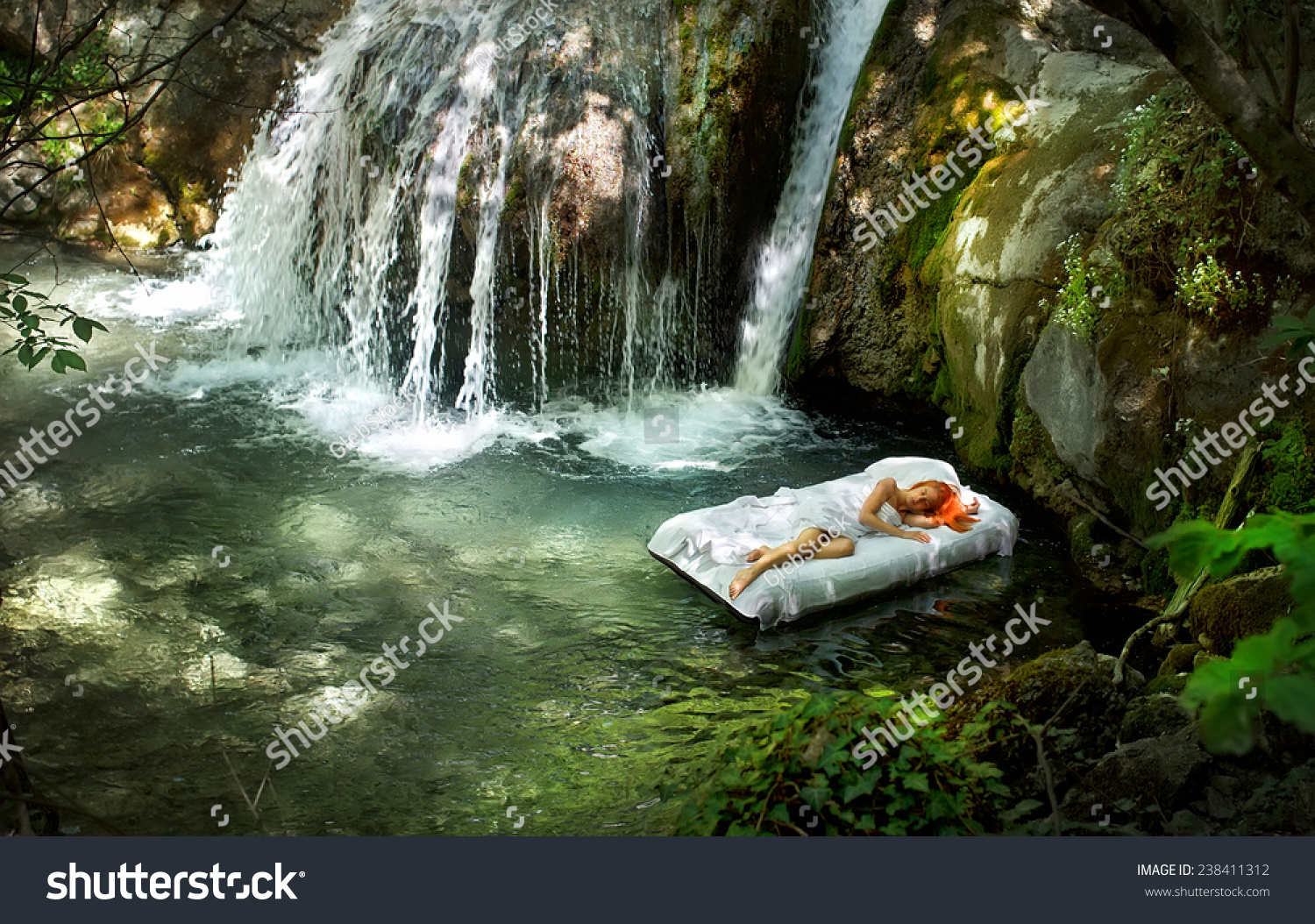 sleeping woman deep forest waterfall on の写真素材 今すぐ編集