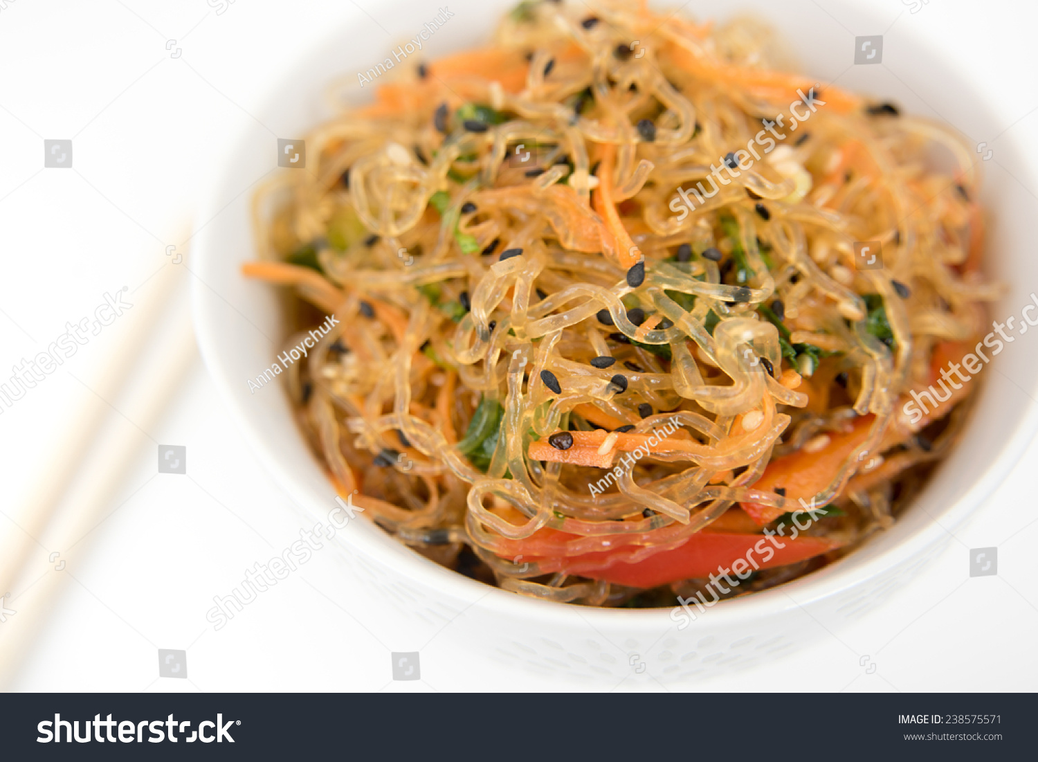 ... Cuisine Inspired Kelp Noodle Salad with Vegetable and Sesame Seeds