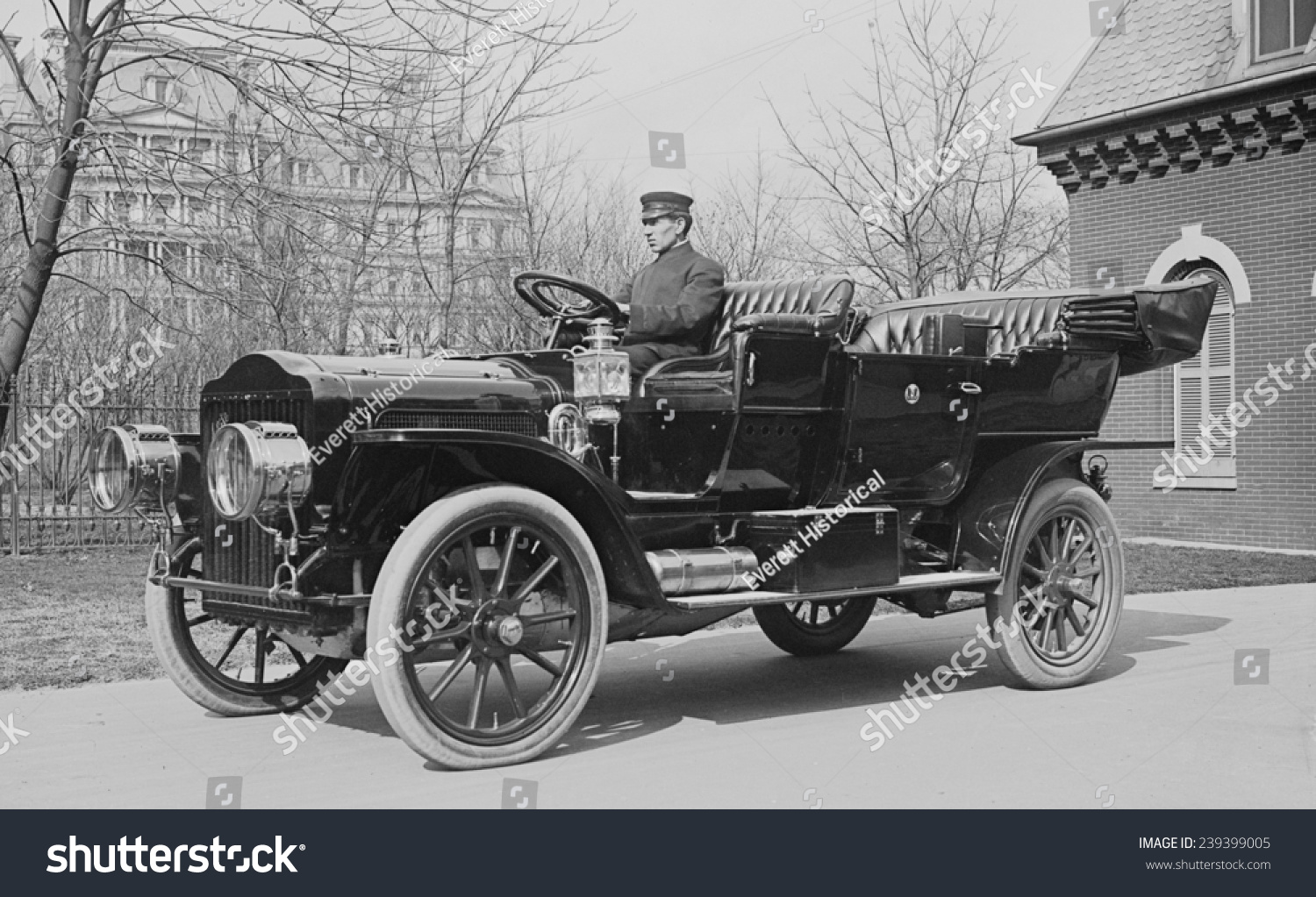The Evolution of Car Design From 1910 to Now - The Shutterstock Blog
