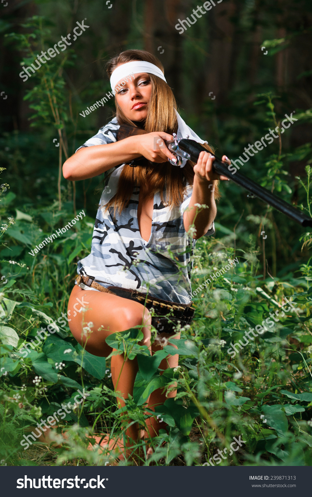 sexy huntress pictures