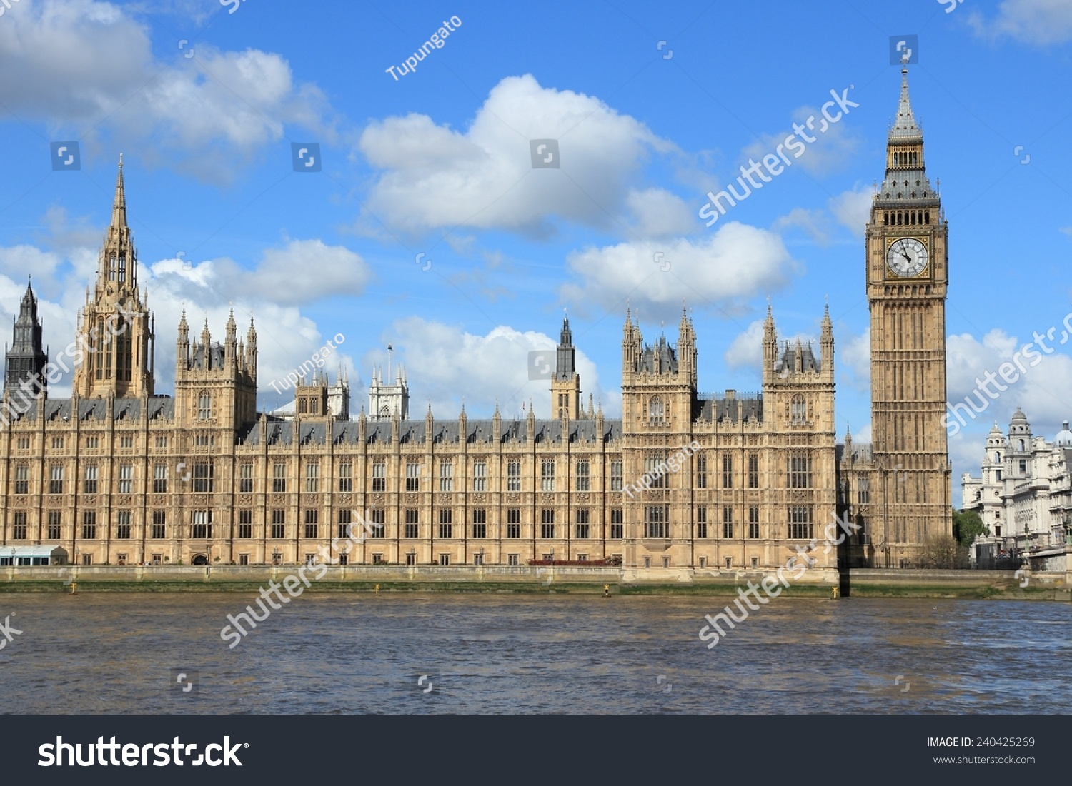 London uk palace of westminster houses of parliament for Parliament site