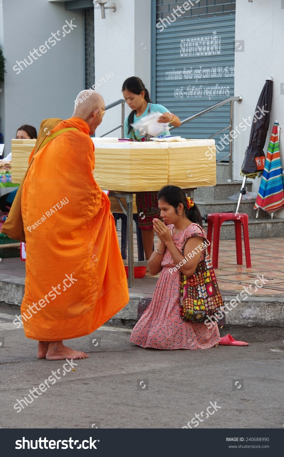street buddhist single women How to have a buddhist girlfriend, but be of another religion yourself you're an ignorant male completely unaware of your potential to make your super devout buddhist girlfriend miserable through your complete ignorance.