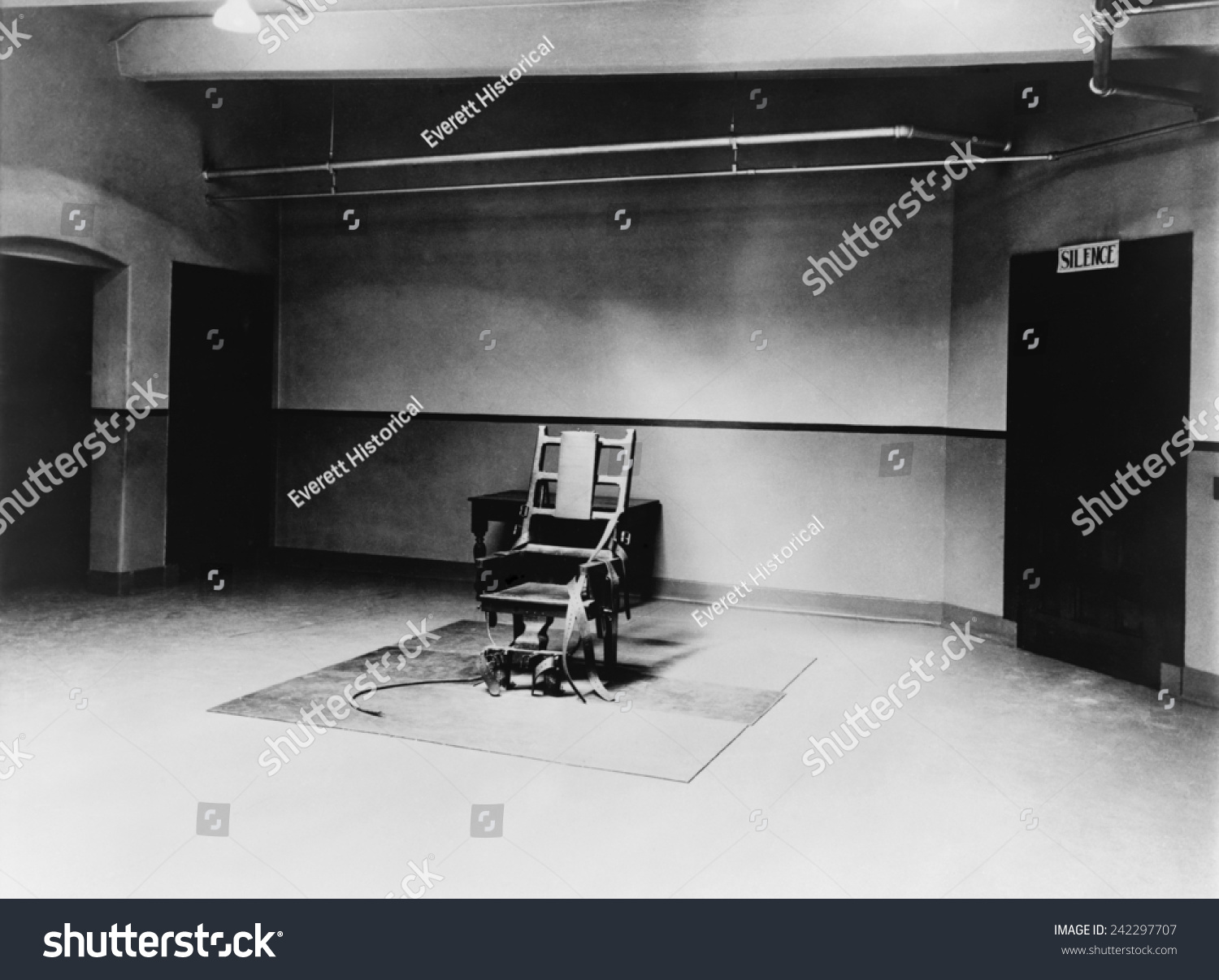 Electric chair chamber - Death Chamber And Electric Chair At Sing Sing Prison In 1923
