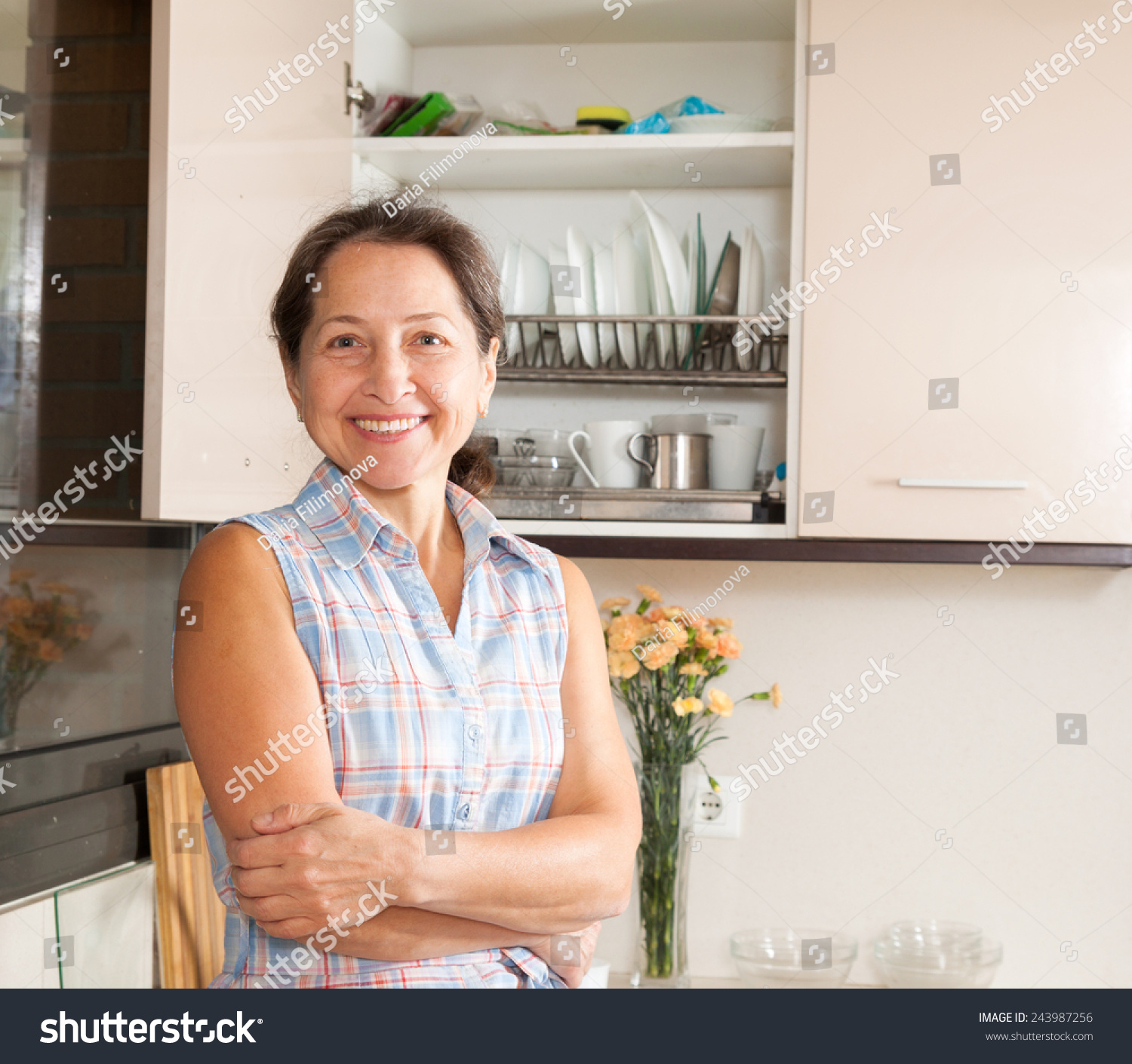 Housewife mature picture