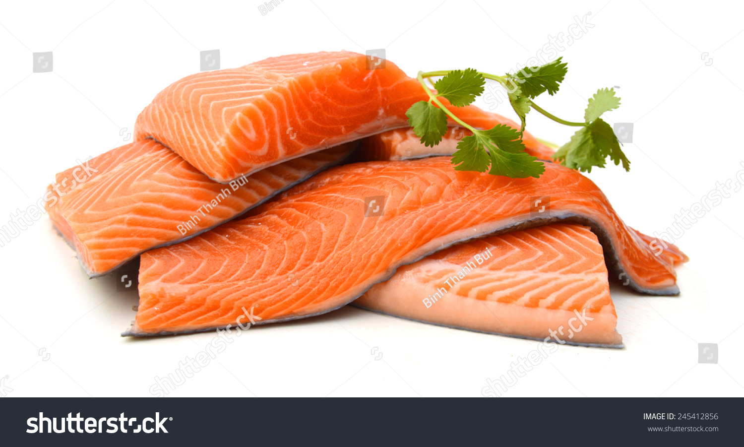 Fresh uncooked red fish fillet over white imagen de for Red fish fillet