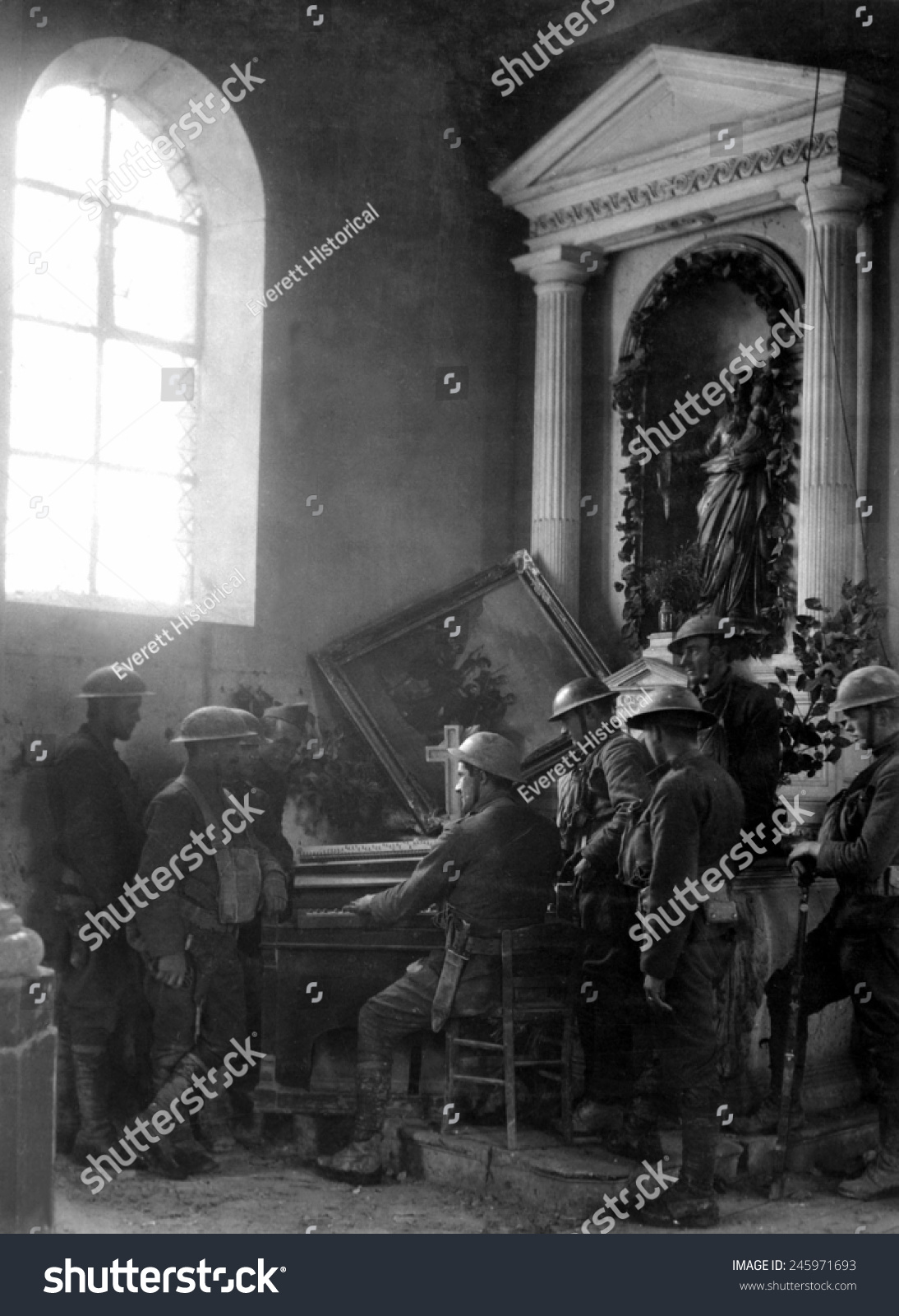 American WWI Soldiers Listen One Their Stock Illustration 245971693 ...