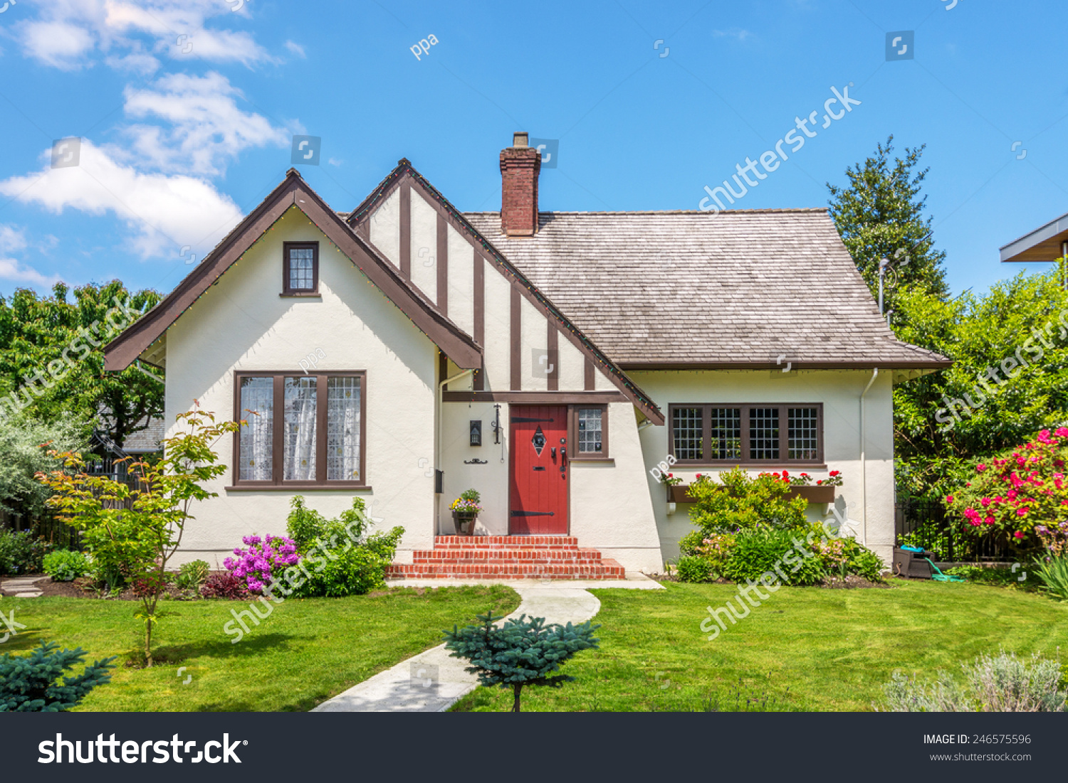 Cozy House Cozy House Beautiful Landscaping On Sunny Stock Photo 246575596