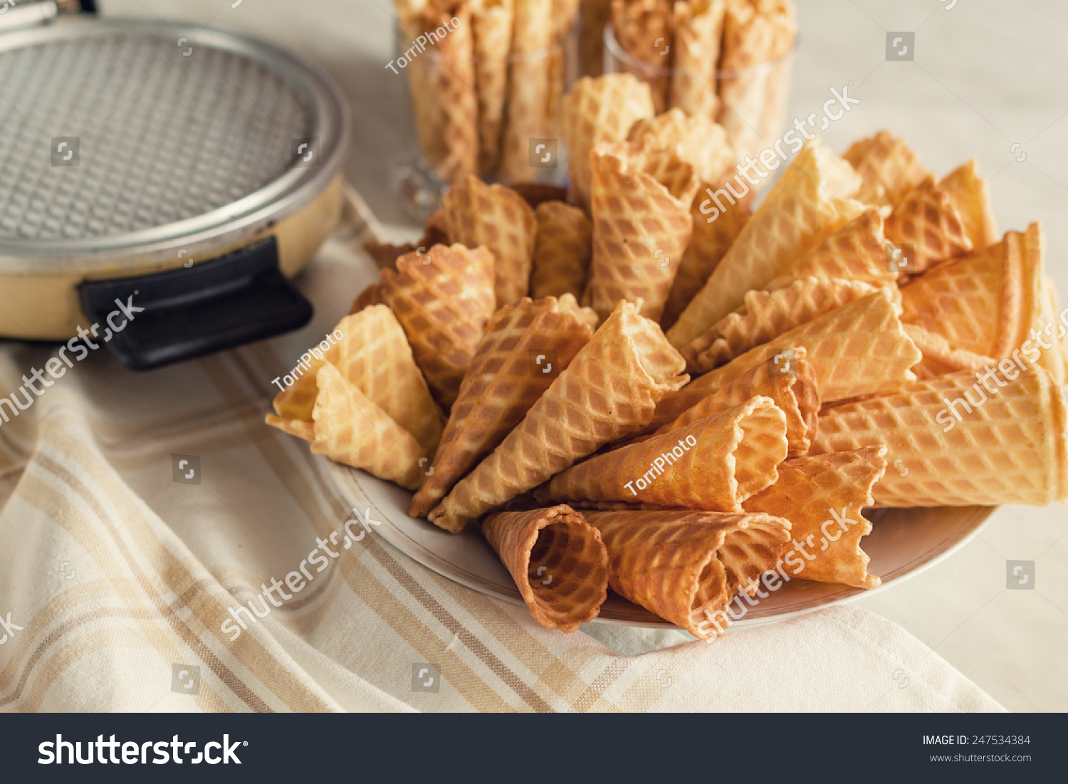 how to make waffle cones with a waffle iron
