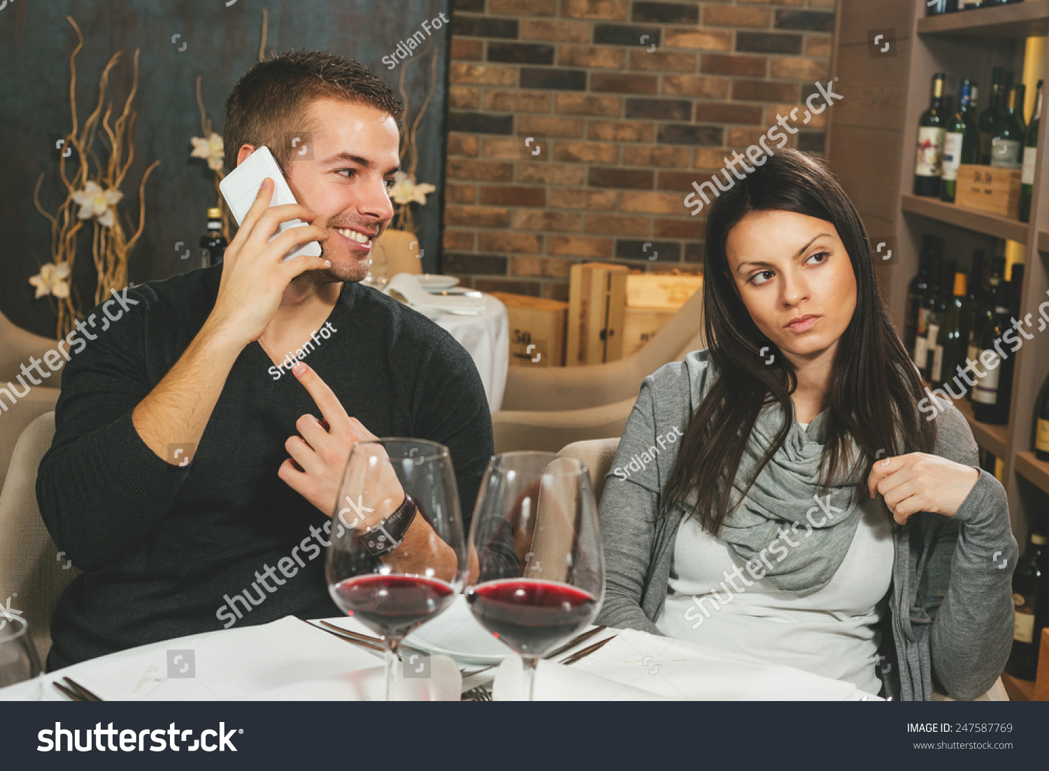 Talking on the phone while dating