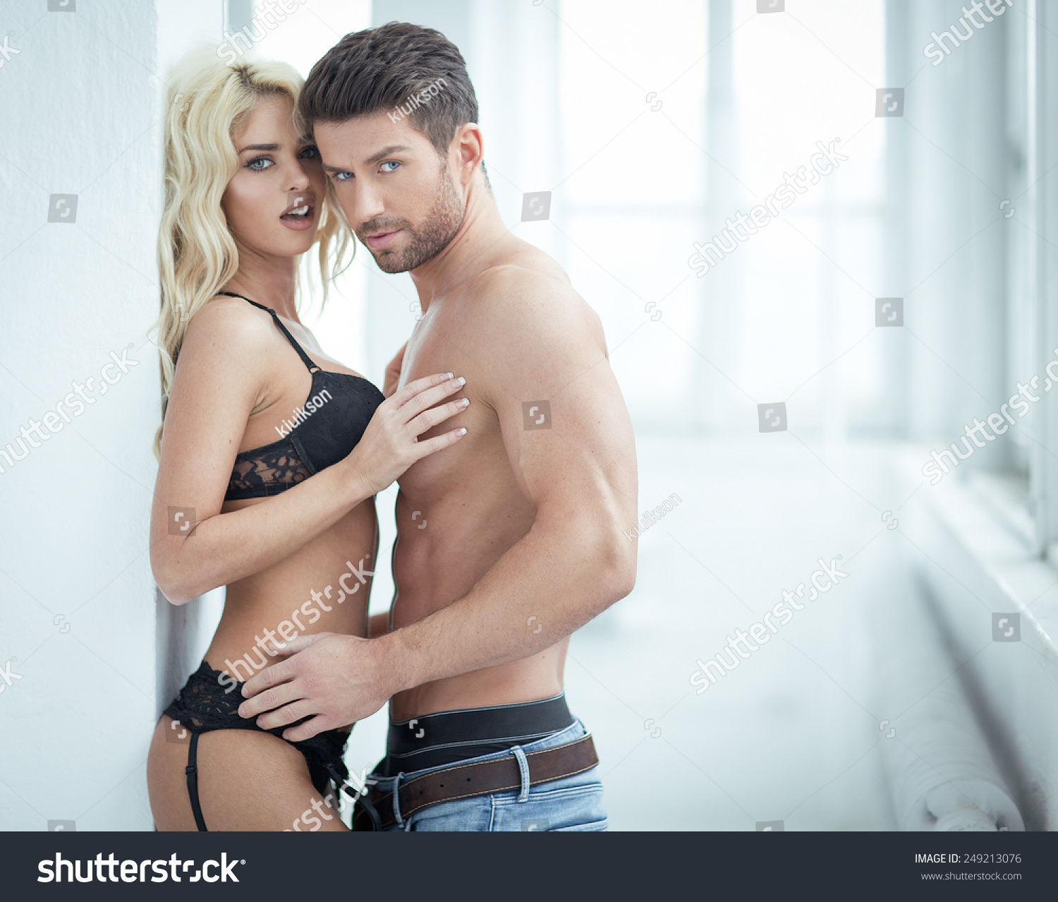 Would not pics of sexy couple for free right!