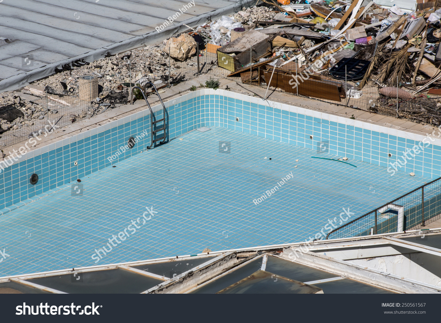 Abandoned Swimming Pool Hotel Stock Photo Edit Now 250561567