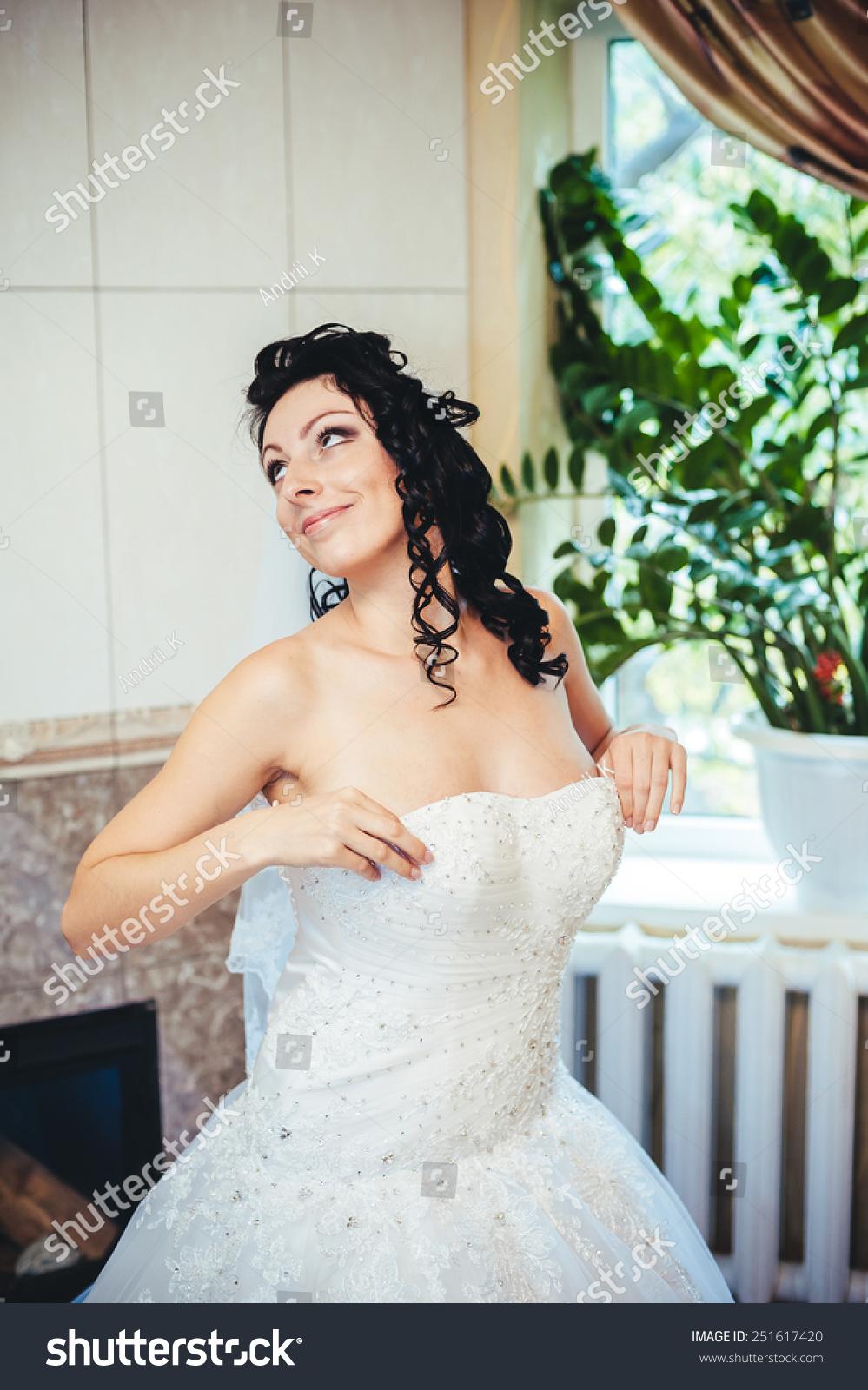 Beautiful Bride Wedding Dress Play 75