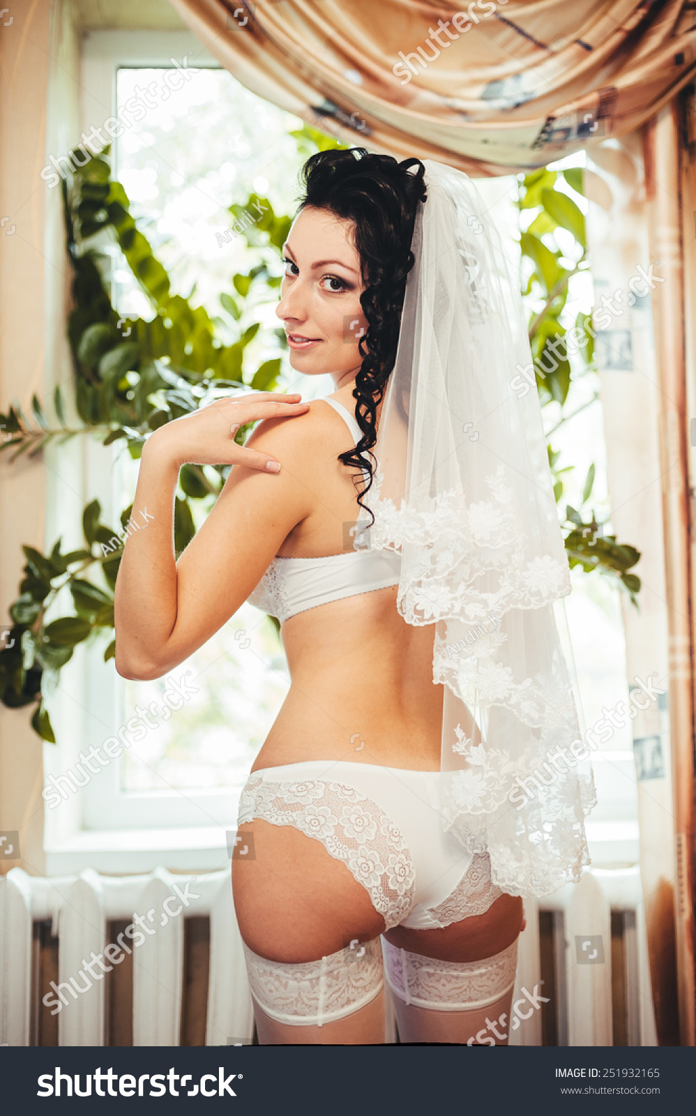 Beautiful Bride Cool Games 6