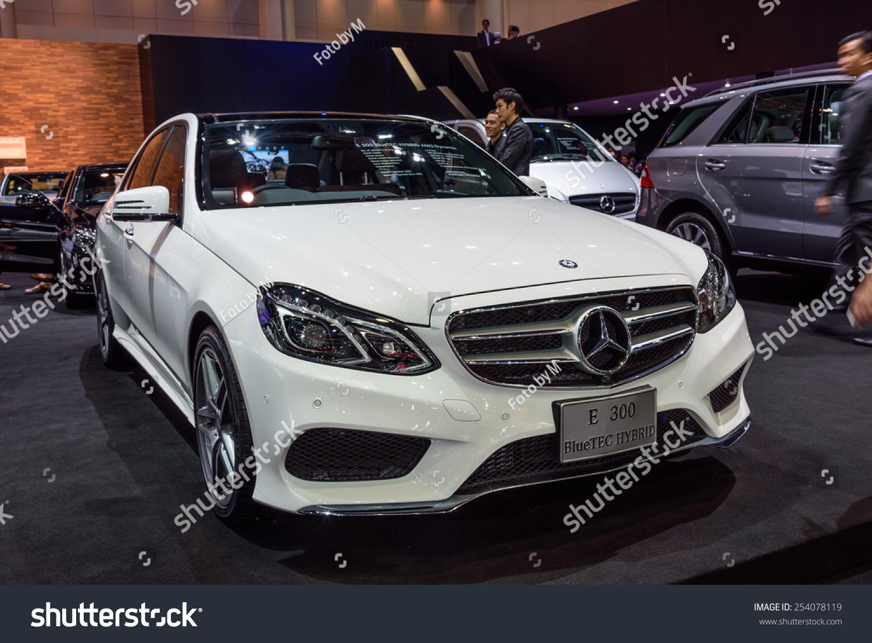 Nonthaburi thailand november 28 mercedes benz stock photo for Mercedes benz thailand
