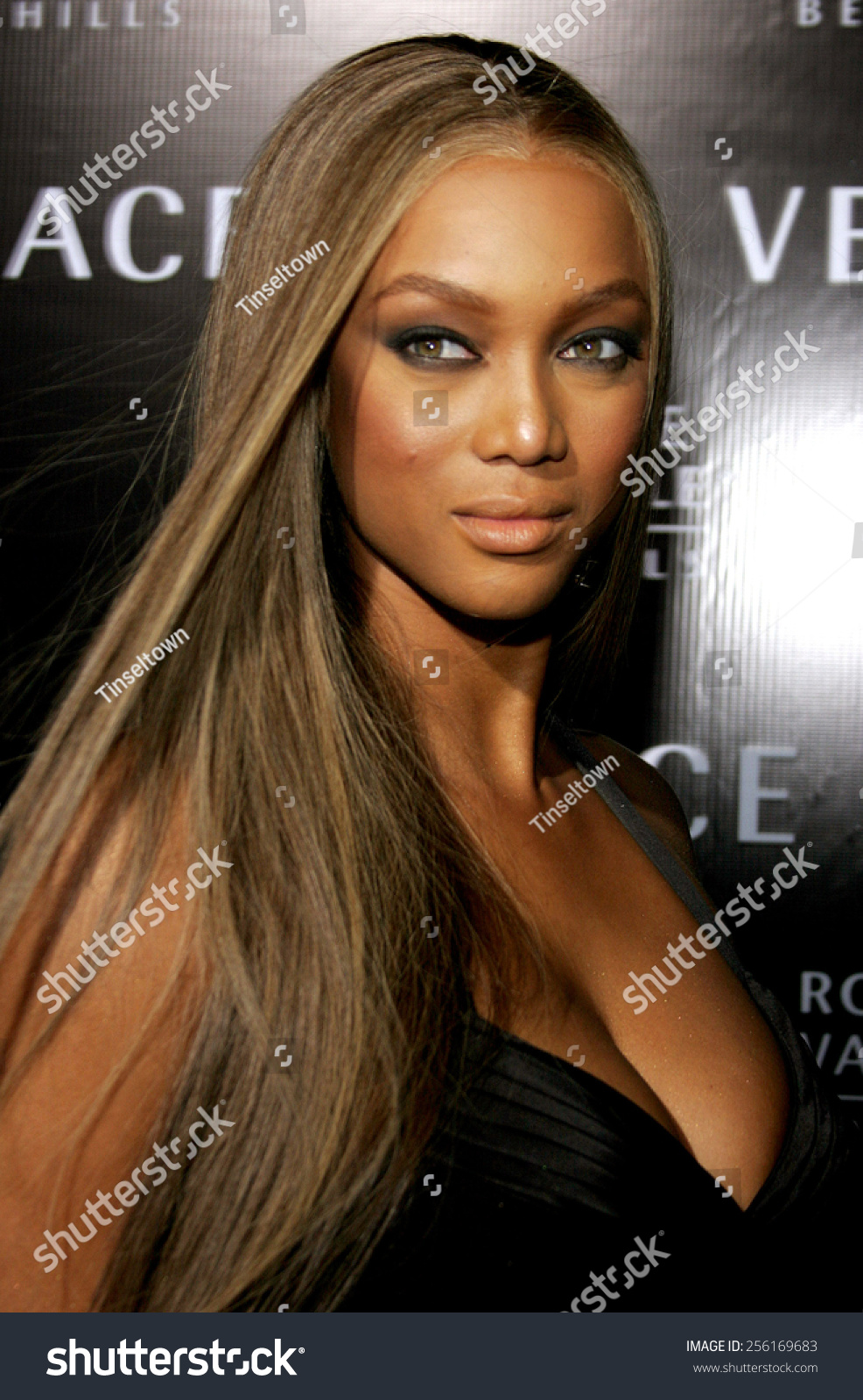 tyra banks attends rodeo drive walk stock photo (edit now) 256169683