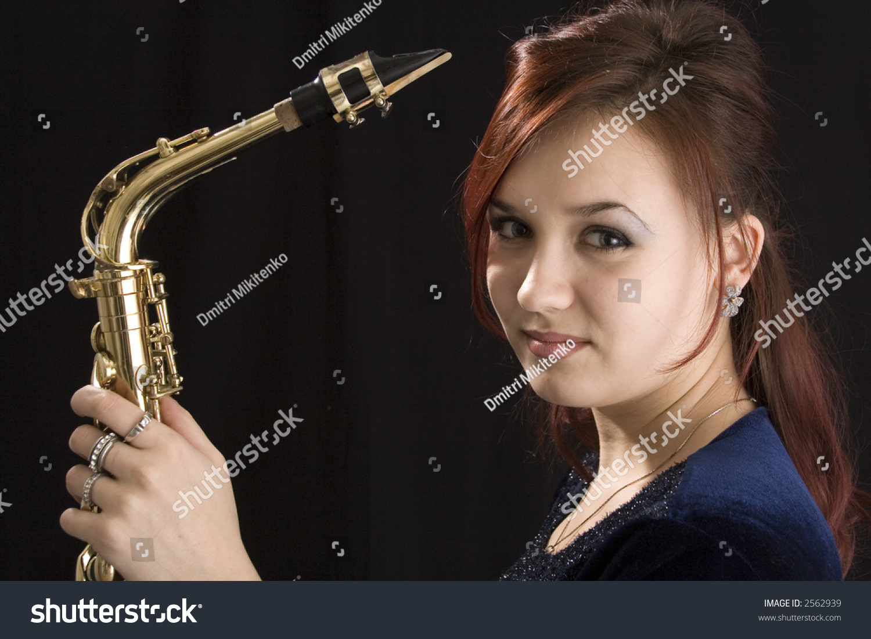 Saxes girl