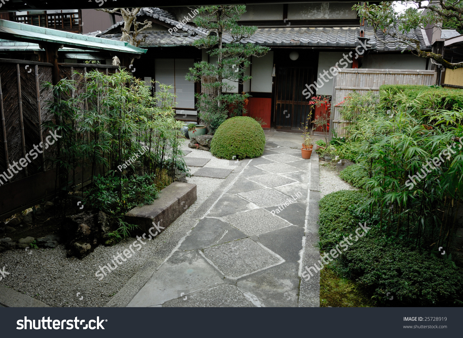 Buddhist Ceremony Traditional Japanese Garden: Traditional Japanese Zen Garden House Stock Photo 25728919
