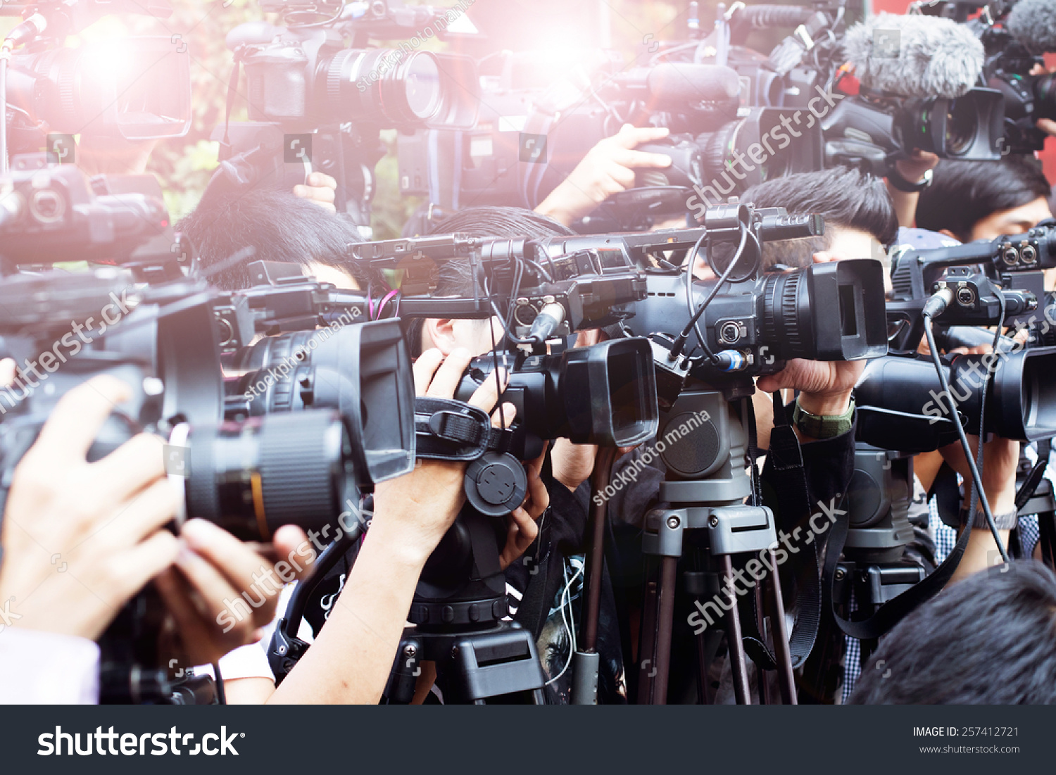 mass media coverage Mass media definition: you can use the mass media to refer to the various ways , especially television, radio  | meaning, pronunciation, translations and examples.