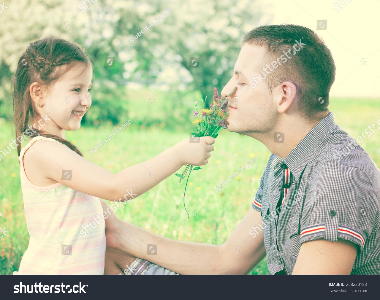 Девушка с взрослым дядей фото 733-758
