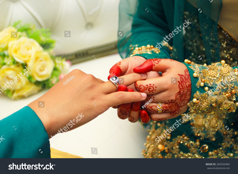 Malaysian Sheath Wedding Ring Ceremony People Stock Image 260350484