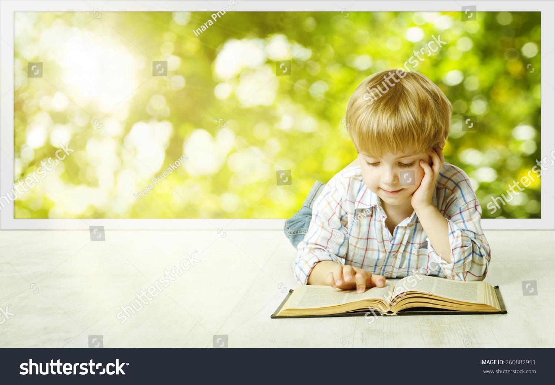 Фото маленького хлопчикав бібліотеці 17 фотография
