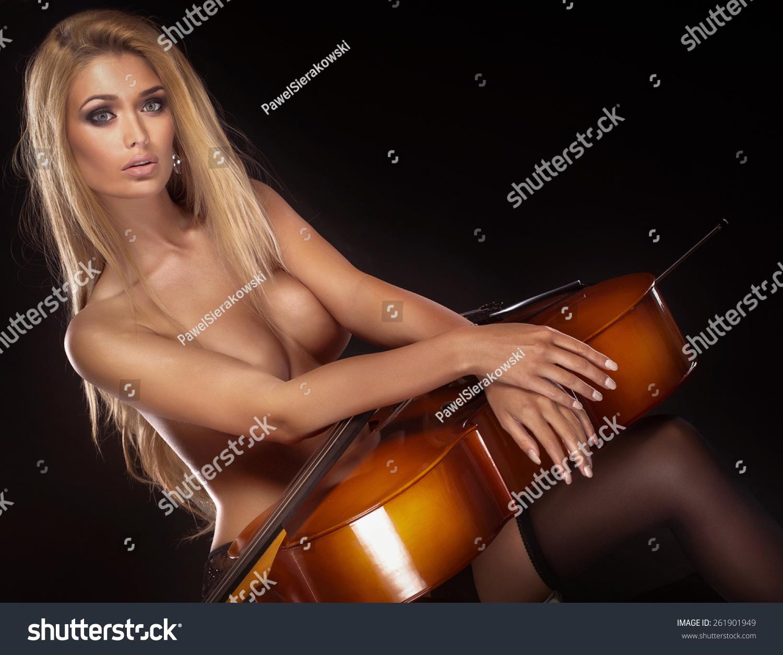 Cello Nude 13