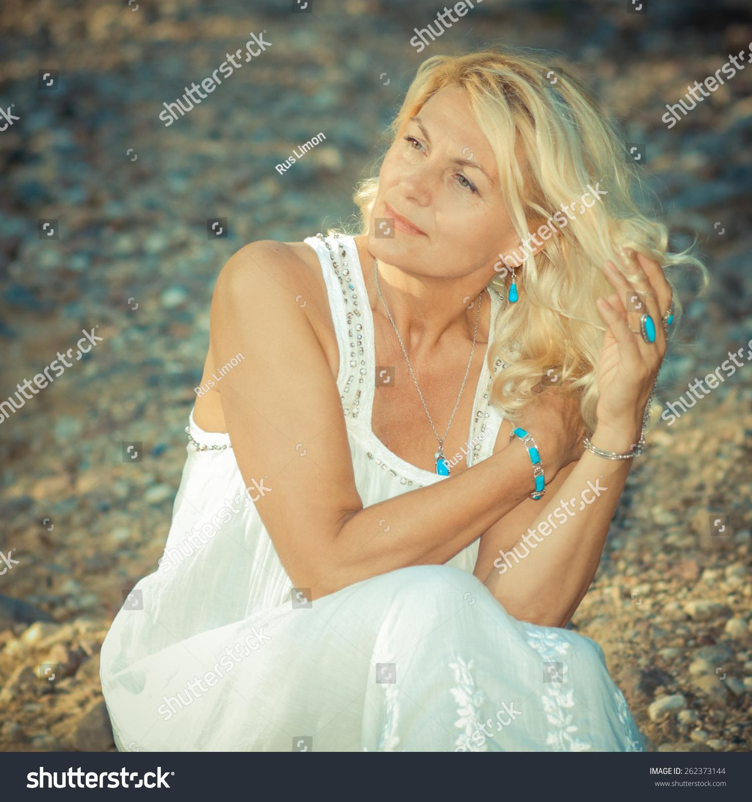 Playlist results for moldova bride