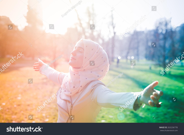 spring park muslim girl personals Find a beautiful iranian girl on lovehabibi  tanzanian-iranian / muslim (shia) 30d+  dating singles friends chat marriage love girls women men people arabs muslims.