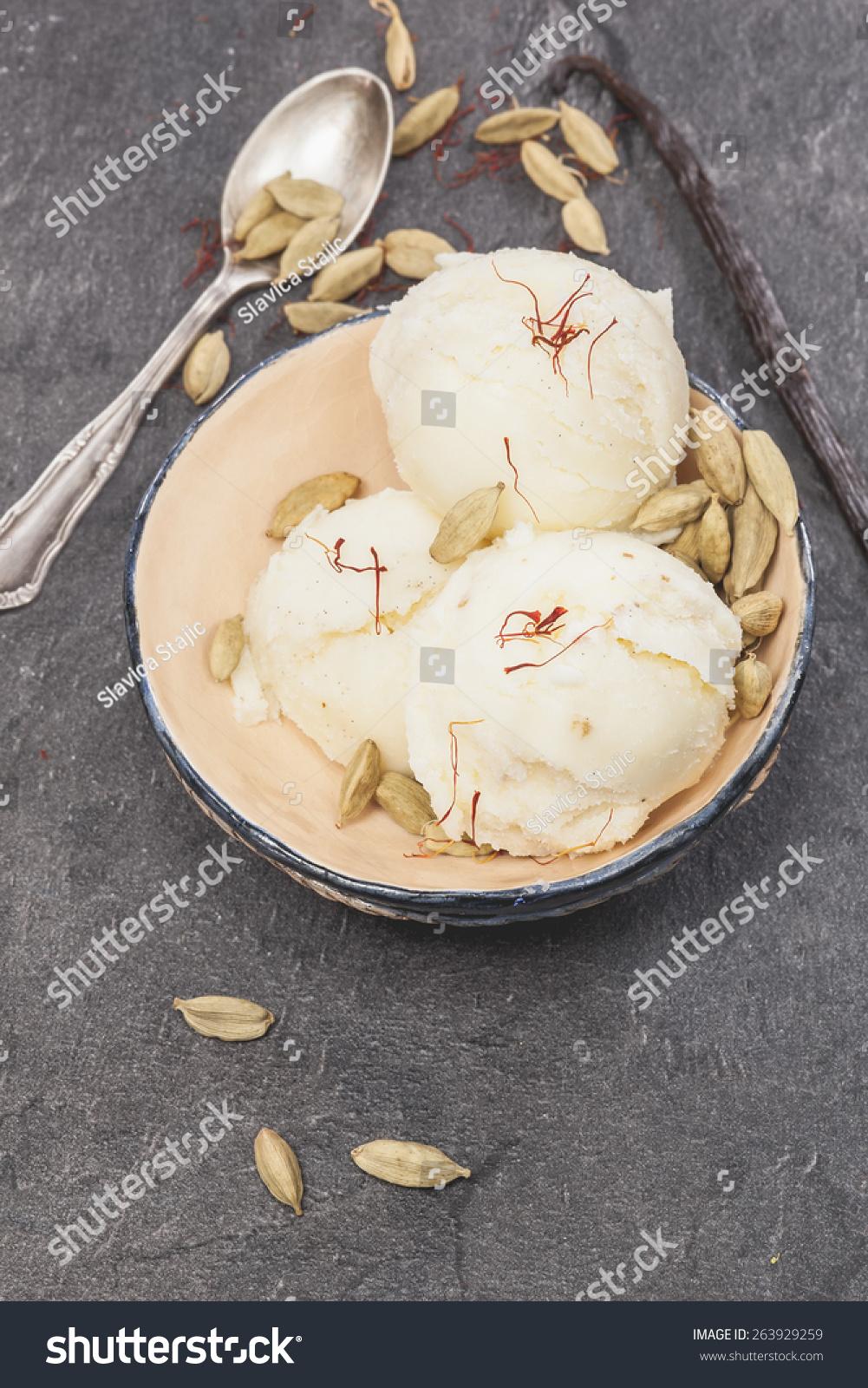 Saffron, Cardamom And Vanilla Ice Cream. Saffron, Cardamom ...