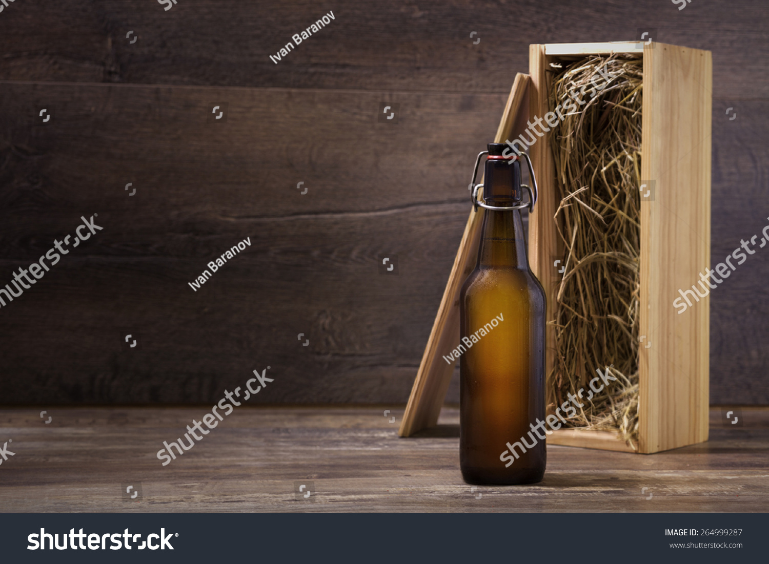 Craft beer gift box - Craft Beer Bottle Mock Up Beer Bottle Without Label With A Wooden Gift Box