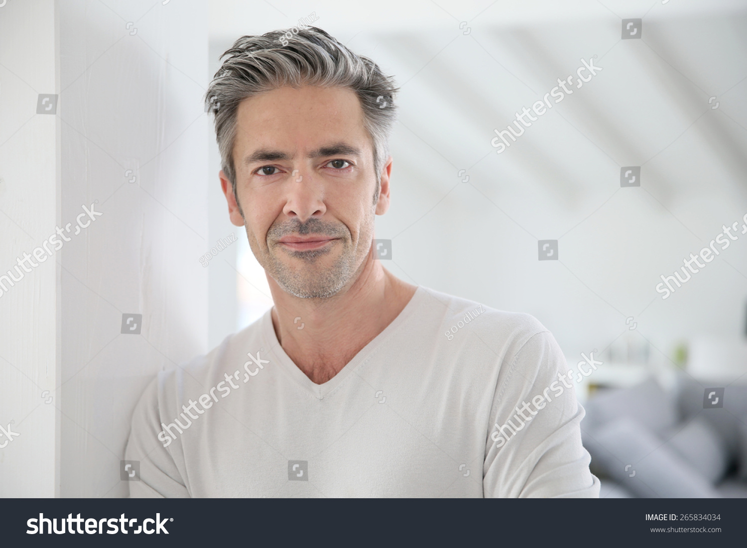 how to look younger at 50 years old men
