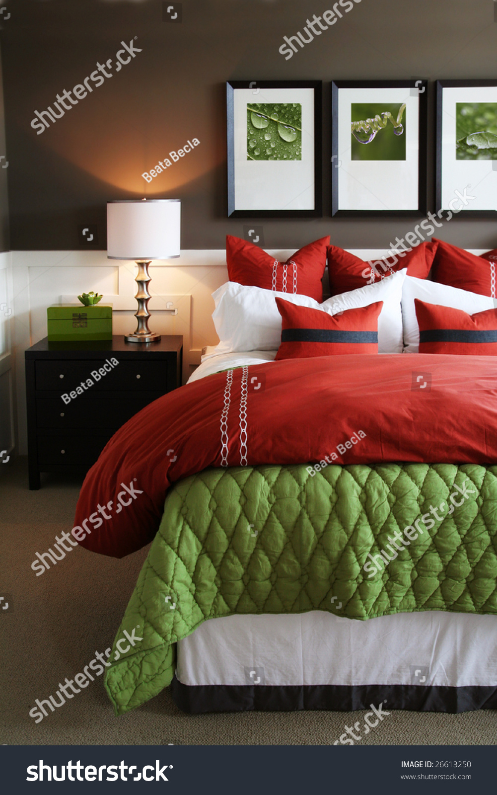 Hotel Bedroom: Modern, Warm, Inviting Bedroom Or Hotel Room. Stock Photo