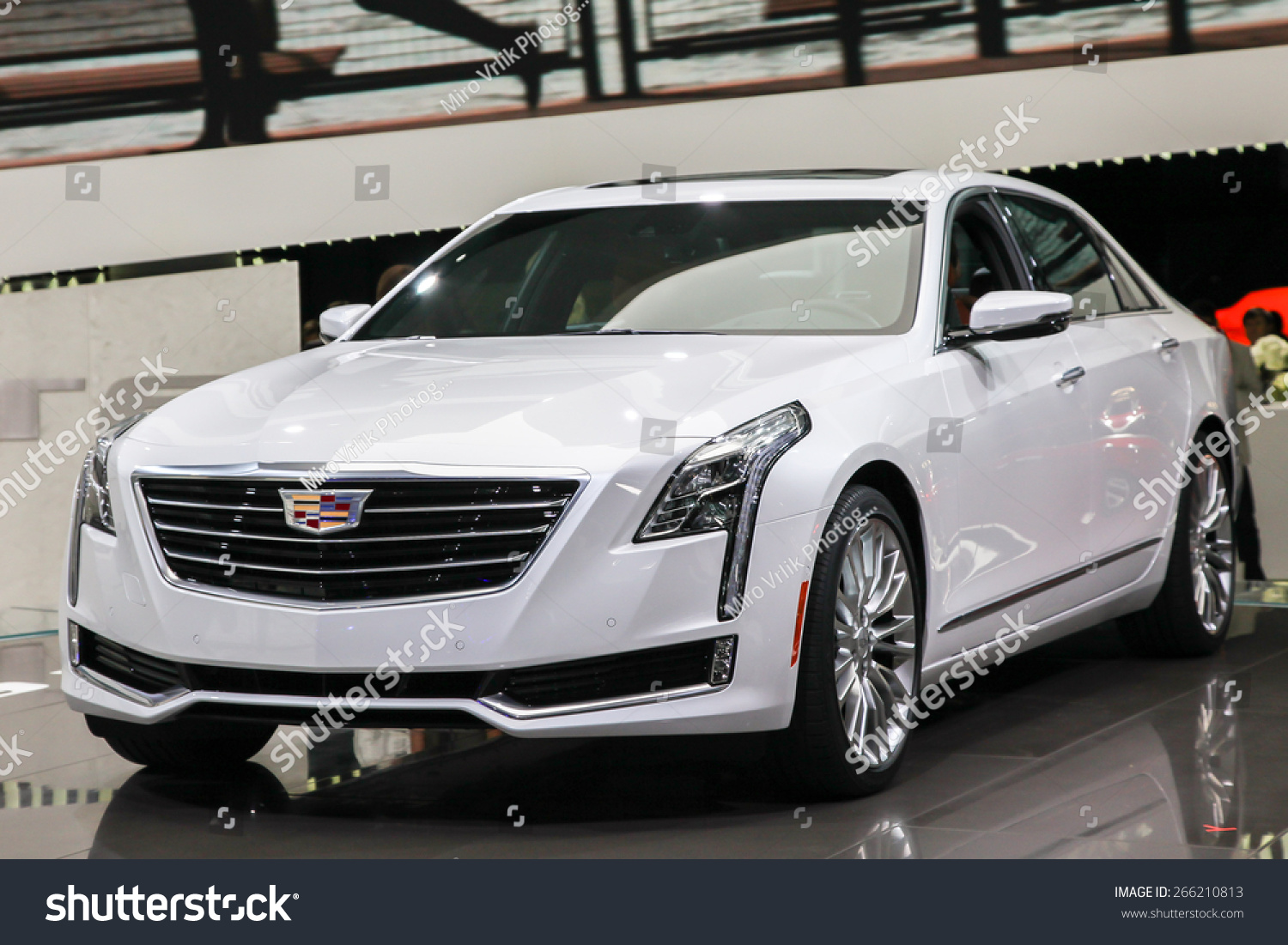 new york april 1 cadillac exhibit cadillac ct 6 at the. Black Bedroom Furniture Sets. Home Design Ideas