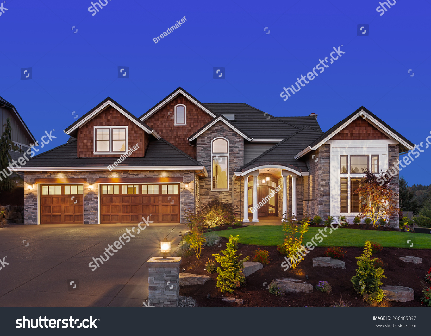 Home Exterior At Night New Luxury House At Night With Deep Blue Sky