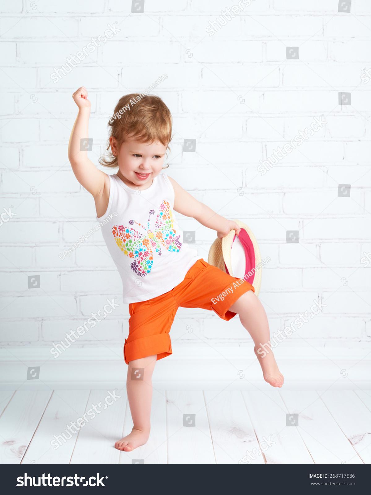Jan 06, · Funny boy dancing, urdu funny videos, punjabi totay, pakistani funny videos, home girls dance, local girls dance, indian funny videos, punjabi mujra - Video Dailymotion sturgis motorcycle rally black hills biker chicks pole dancing girls girls girls.