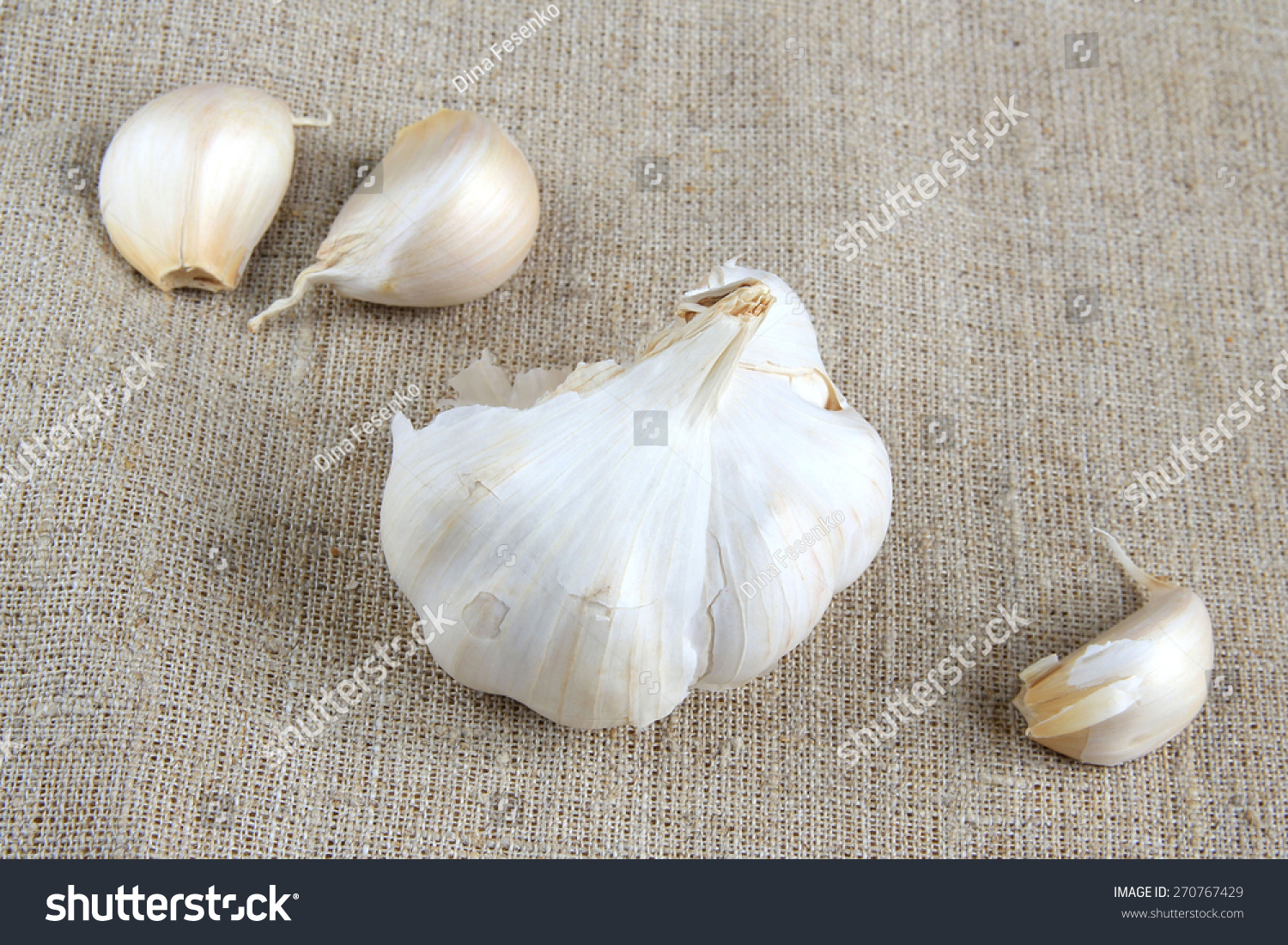 how to get garlic cloves